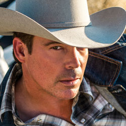 Photo of Clay Walker for the Blue Gate Theatre Event in Shipshewana, Indiana