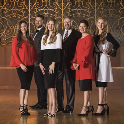 Photo of Collingsworth Family  for the Blue Gate Theatre Event in Shipshewana, Indiana
