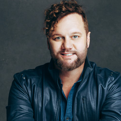 David Phelps | Blue Gate Theatre | Shipshewana, Indiana