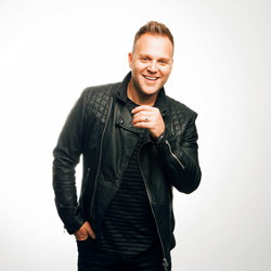 Photo of Matthew West  for the Blue Gate Theatre Event in Shipshewana, Indiana