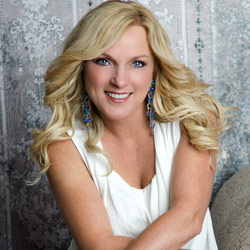 Photo of Rhonda Vincent for the Blue Gate Theatre Event in Shipshewana, Indiana