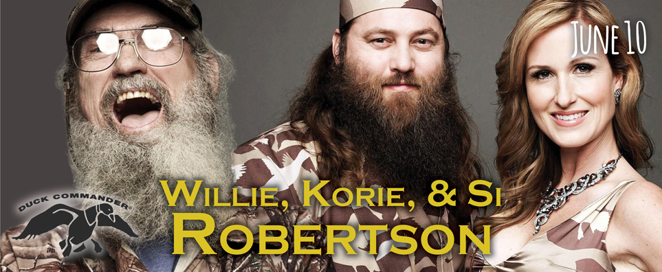 Photo of Willie, Korie & Si Robertson for the Shipshewana Event